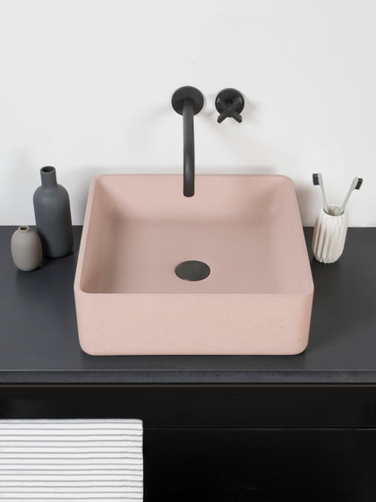Arla by Kast Concrete Basins