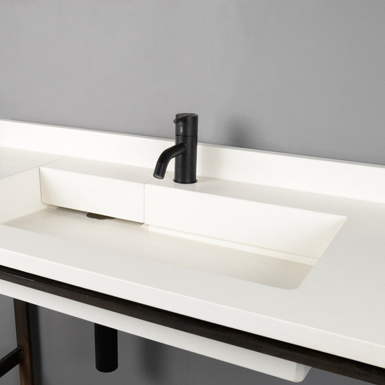 Cora by Kast Concrete Basins