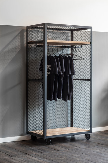 CLOTHES SHELF MESH WHEELS di Noodles Noodles & Noodles