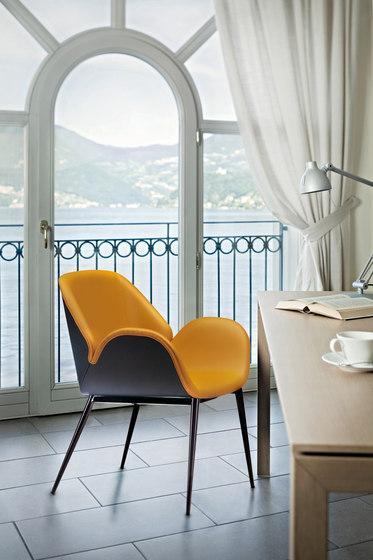 Lips Armchair by ALMA Design