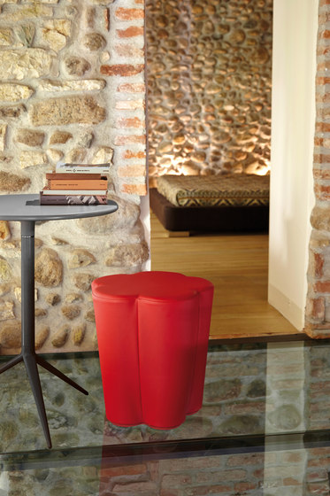 Pepper Stool de ALMA Design
