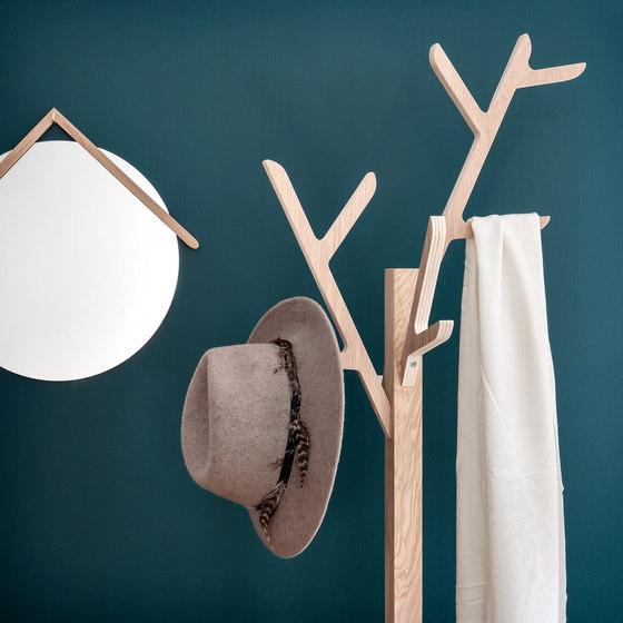 Wall coat rack Ambroise, natural oak di Hartô