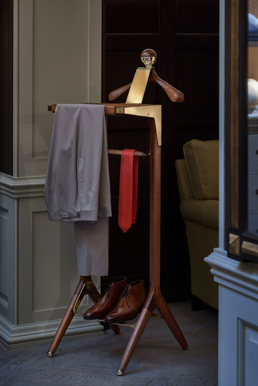 The Classical Valet Stand SS by Honorific
