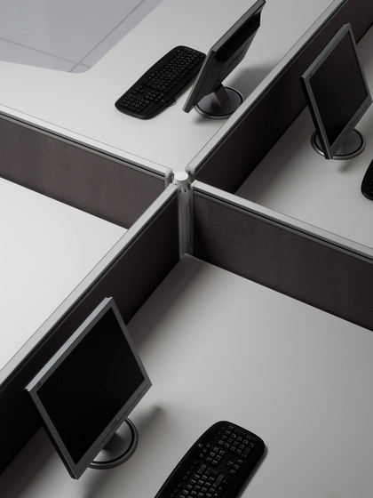Layer Operative Desking System by Guialmi