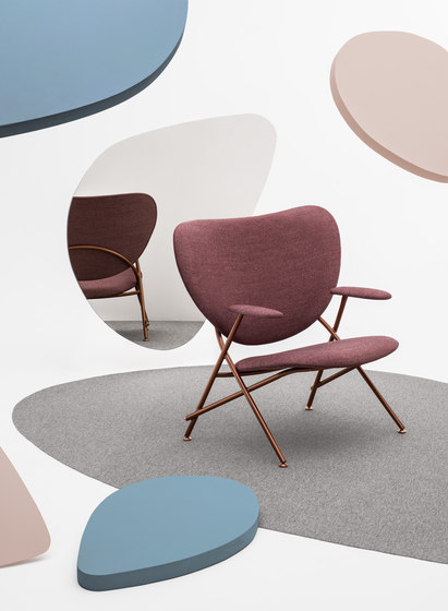 Calder Armchair with wooden side table by Comforty