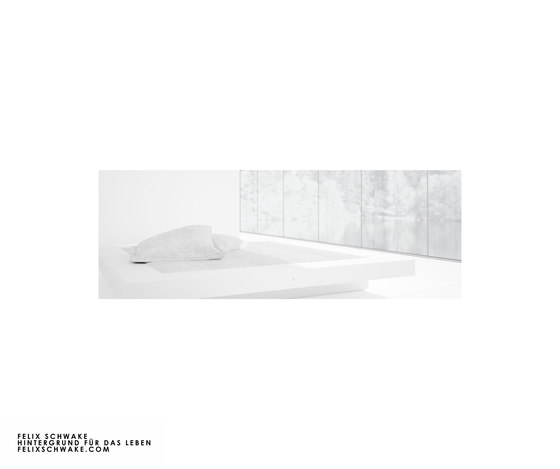 BED II special edition - Piano lacquer white by Rechteck