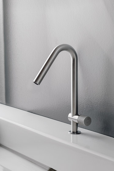 Sense 22 mm rain shower pipe 360 by CONTI+