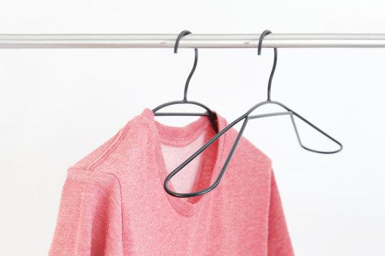 Looop - coat hanger de Hyfen
