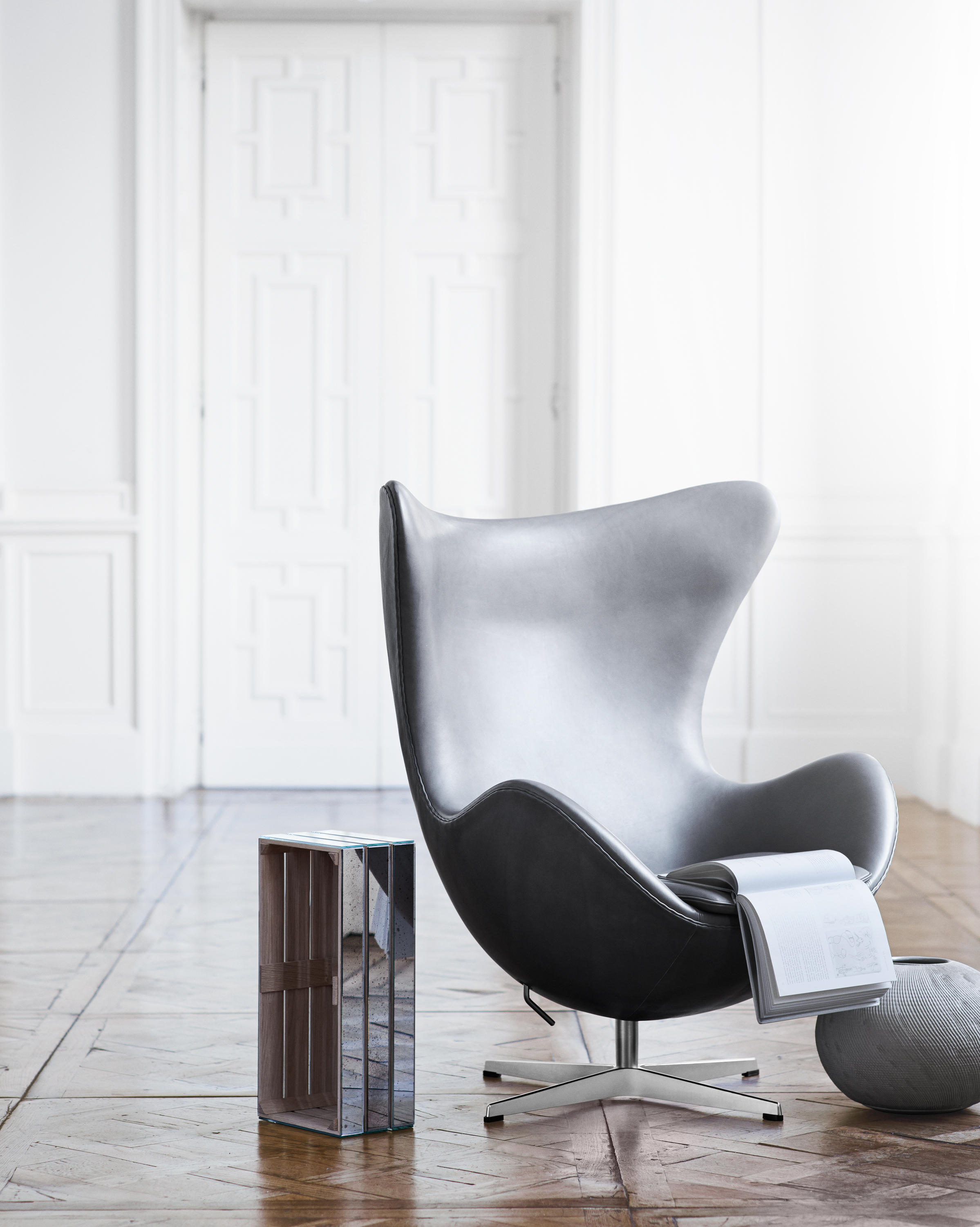 Egg 3316 Lounge Chairs From Fritz Hansen Architonic # Muebles Giulani
