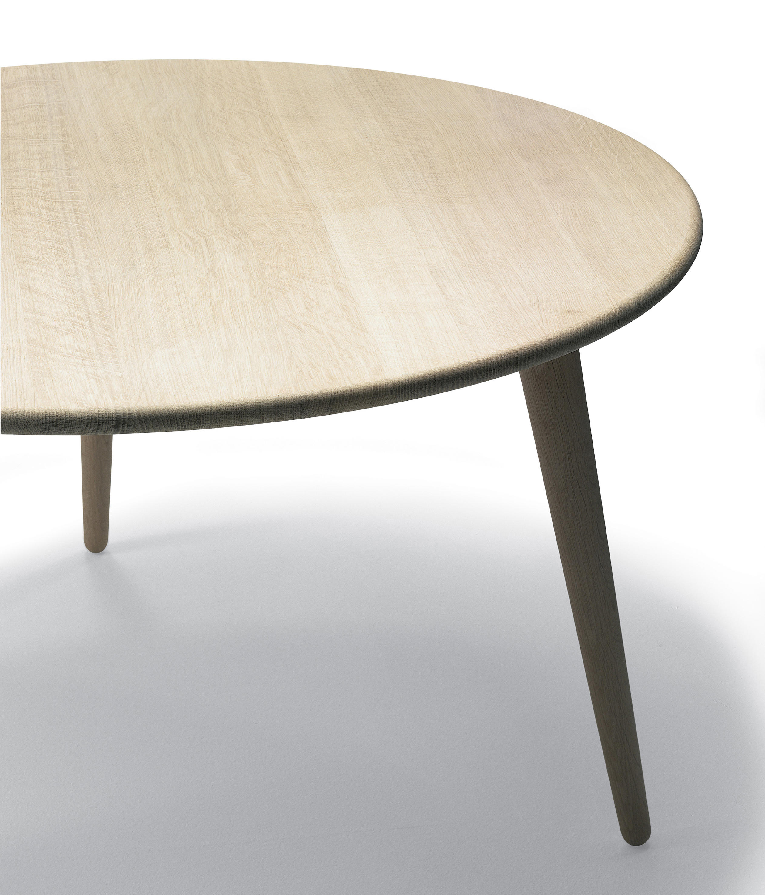 CH008 Lounge tables from Carl Hansen & S¸n