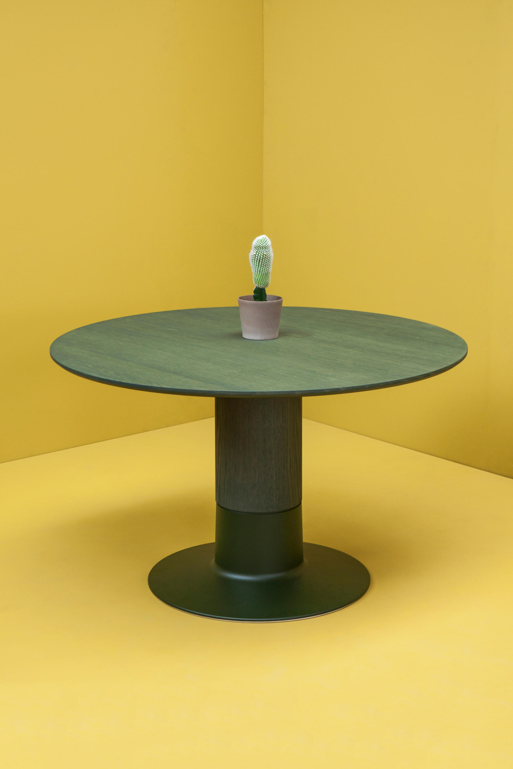 Balance Dining Tables From Arco Architonic