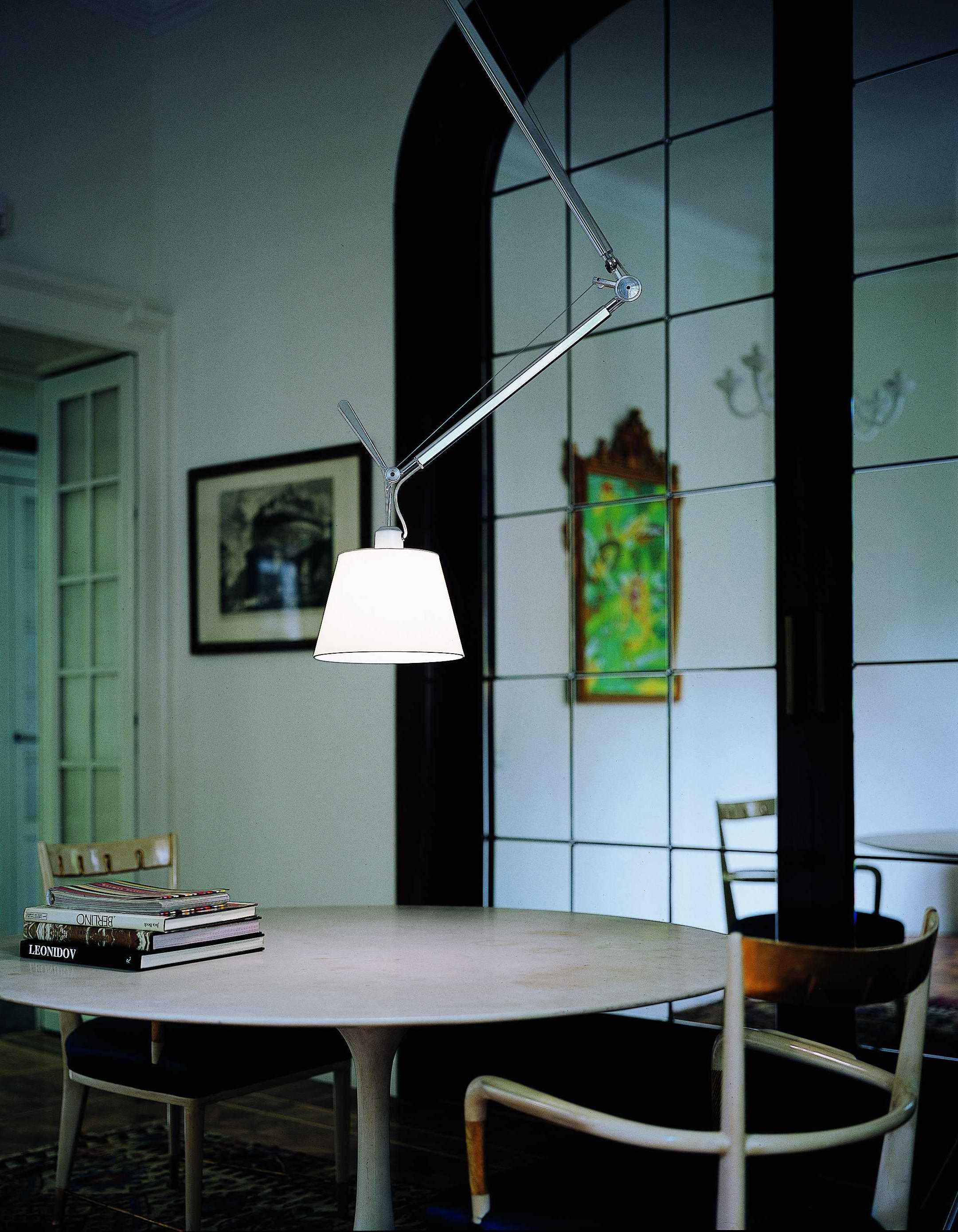tolomeo basculante floor lamp free standing lights from artemide architonic. Black Bedroom Furniture Sets. Home Design Ideas