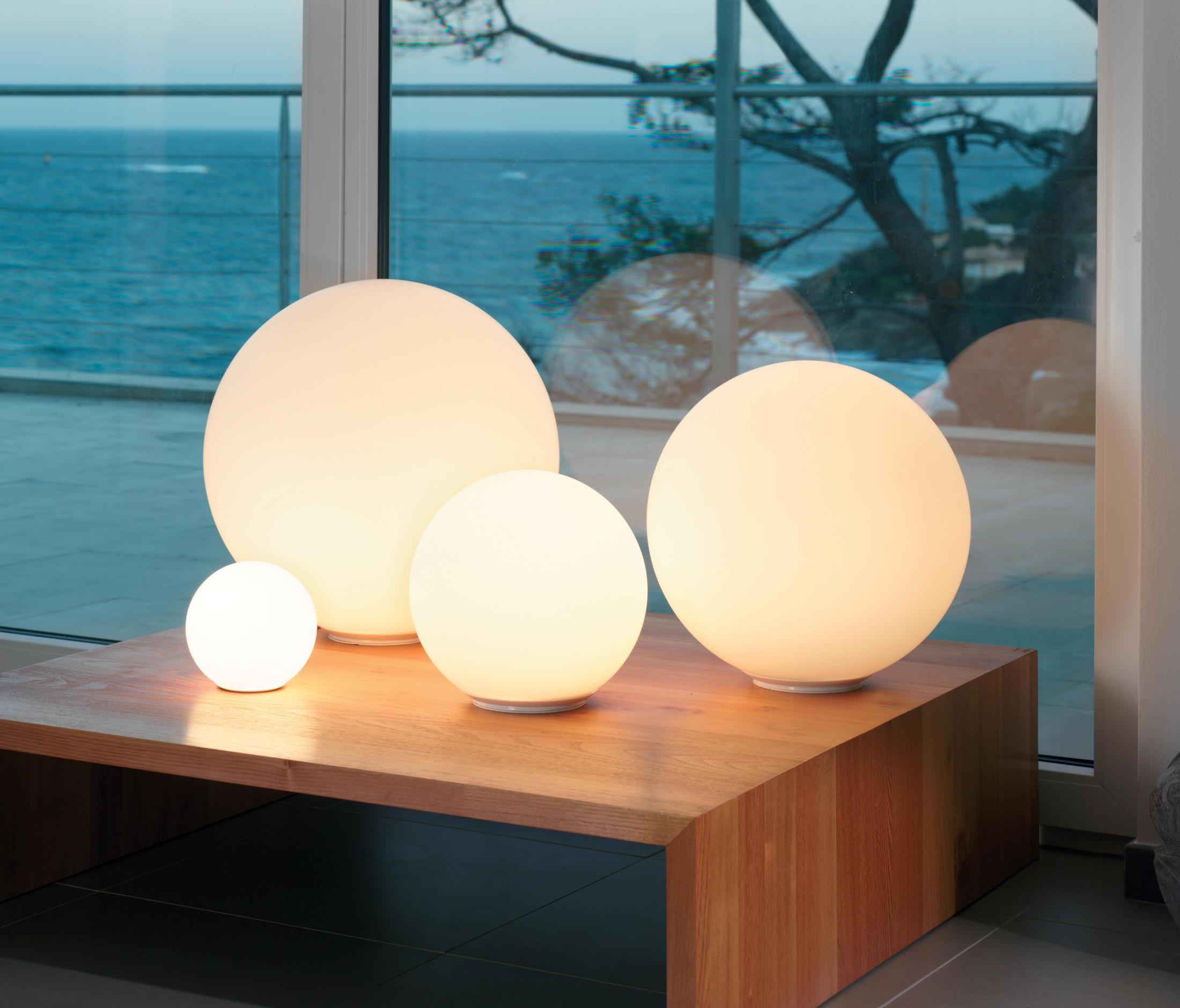 dioscuri lampe de table clairage g n ral de artemide architonic. Black Bedroom Furniture Sets. Home Design Ideas