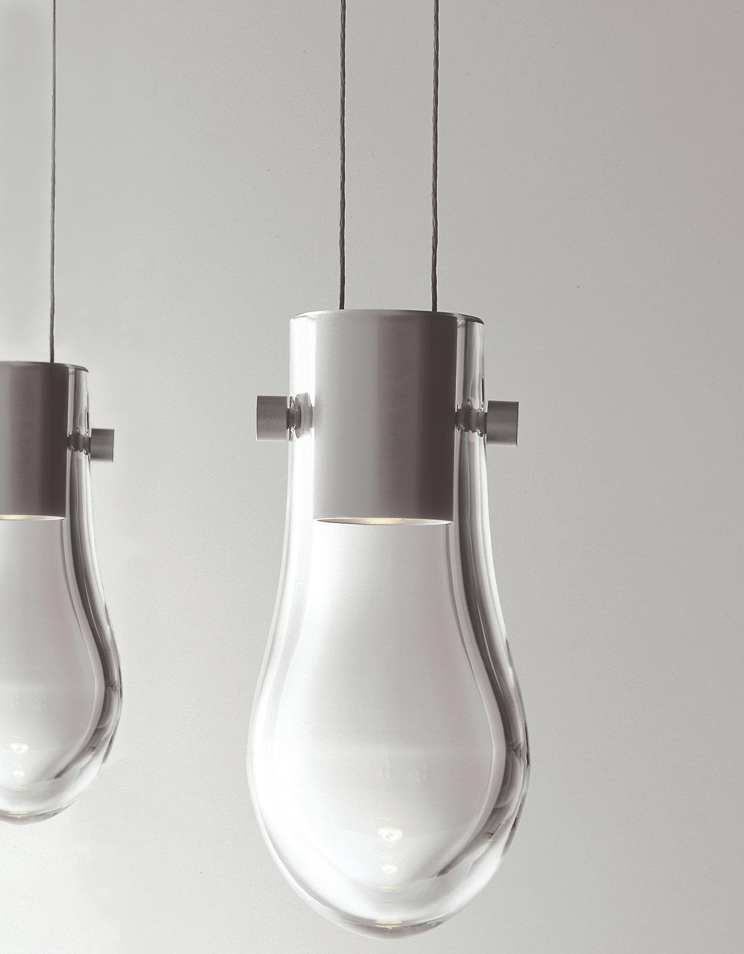 Drop suspended lamp general lighting from anta leuchten for Suspension 4 lampes