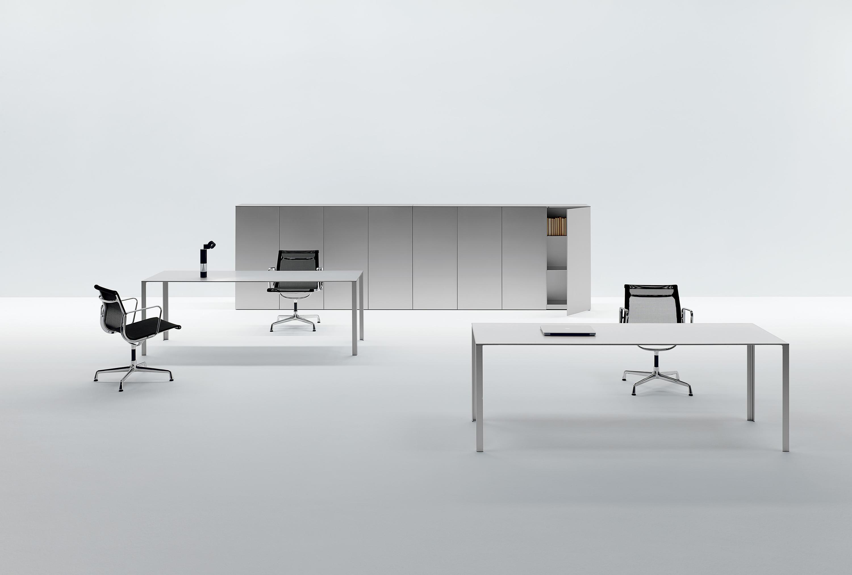 Lessless escritorios individuales de unifor architonic for Unifor turate
