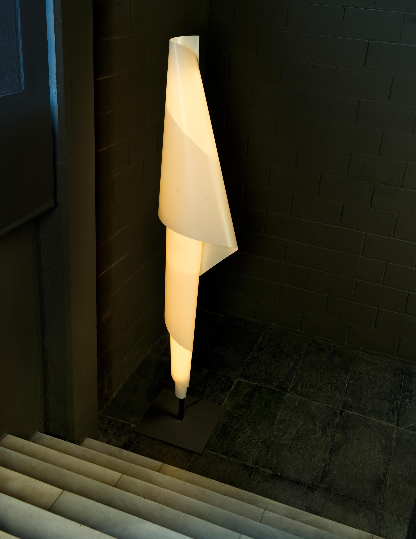 Talla 3f table lamp general lighting from metalarte for Alta costura f floor lamp