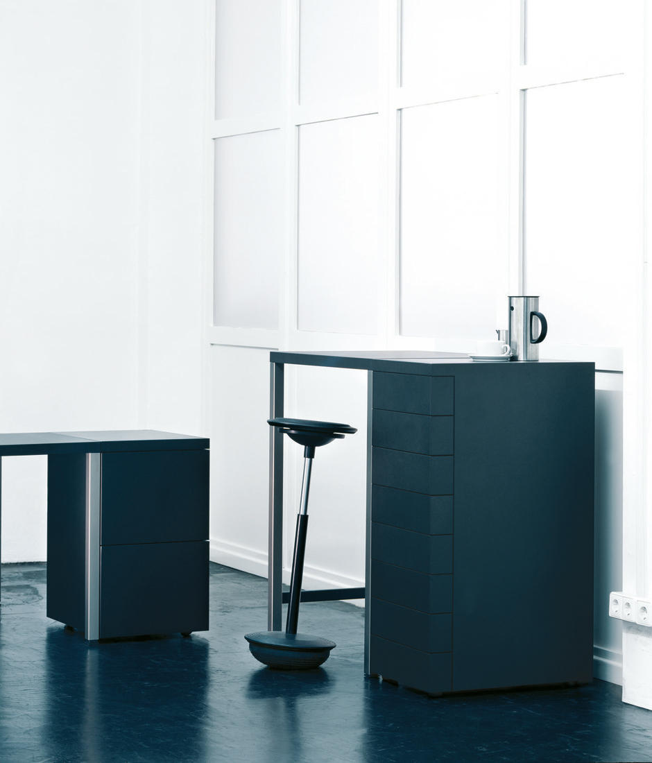 stitz 2 model 201 1 lean stools from wilkhahn architonic. Black Bedroom Furniture Sets. Home Design Ideas