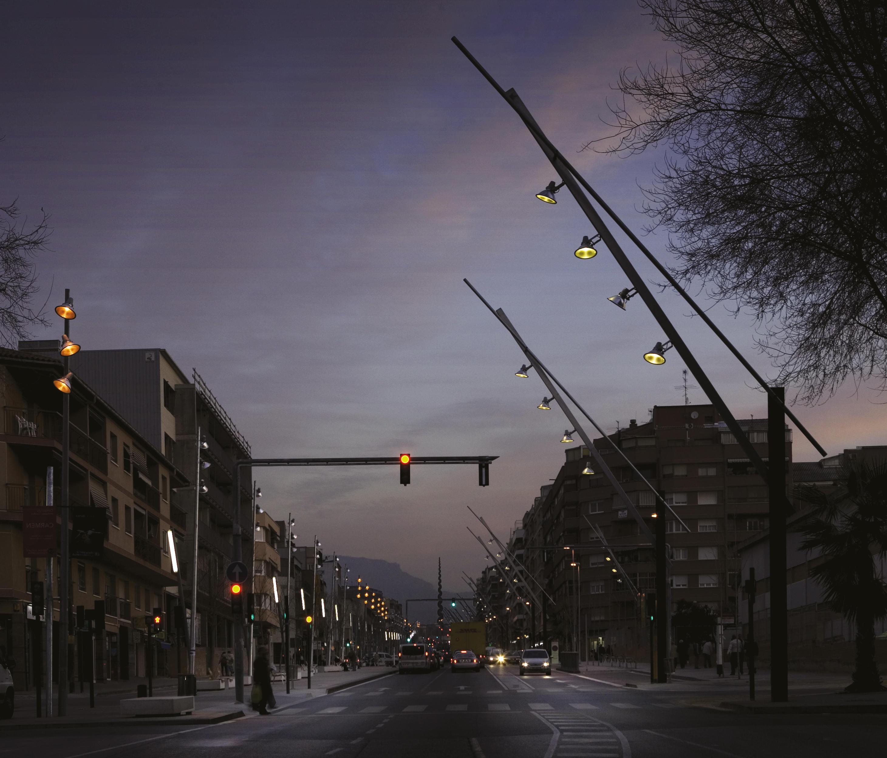 Latina illuminazione stradale santa cole architonic for Arredo urbano in inglese