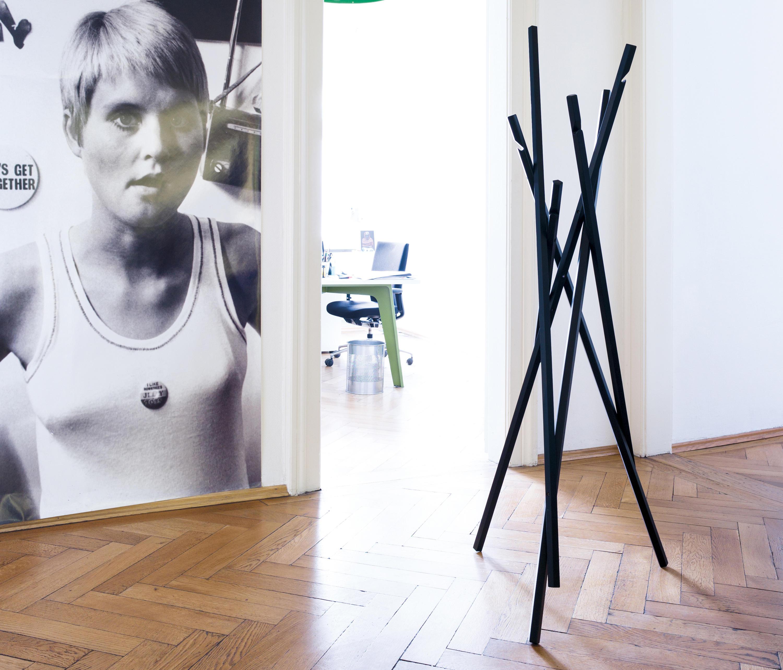 sticks garderobenst nder garderoben von sch nbuch architonic. Black Bedroom Furniture Sets. Home Design Ideas