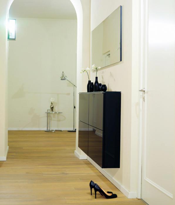 basic schuhklappenschrank schuhschr nke regale von sch nbuch architonic. Black Bedroom Furniture Sets. Home Design Ideas