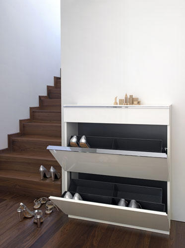 Basic shoe cupboard shoe cabinets racks from sch nbuch for Schuhschrank flap