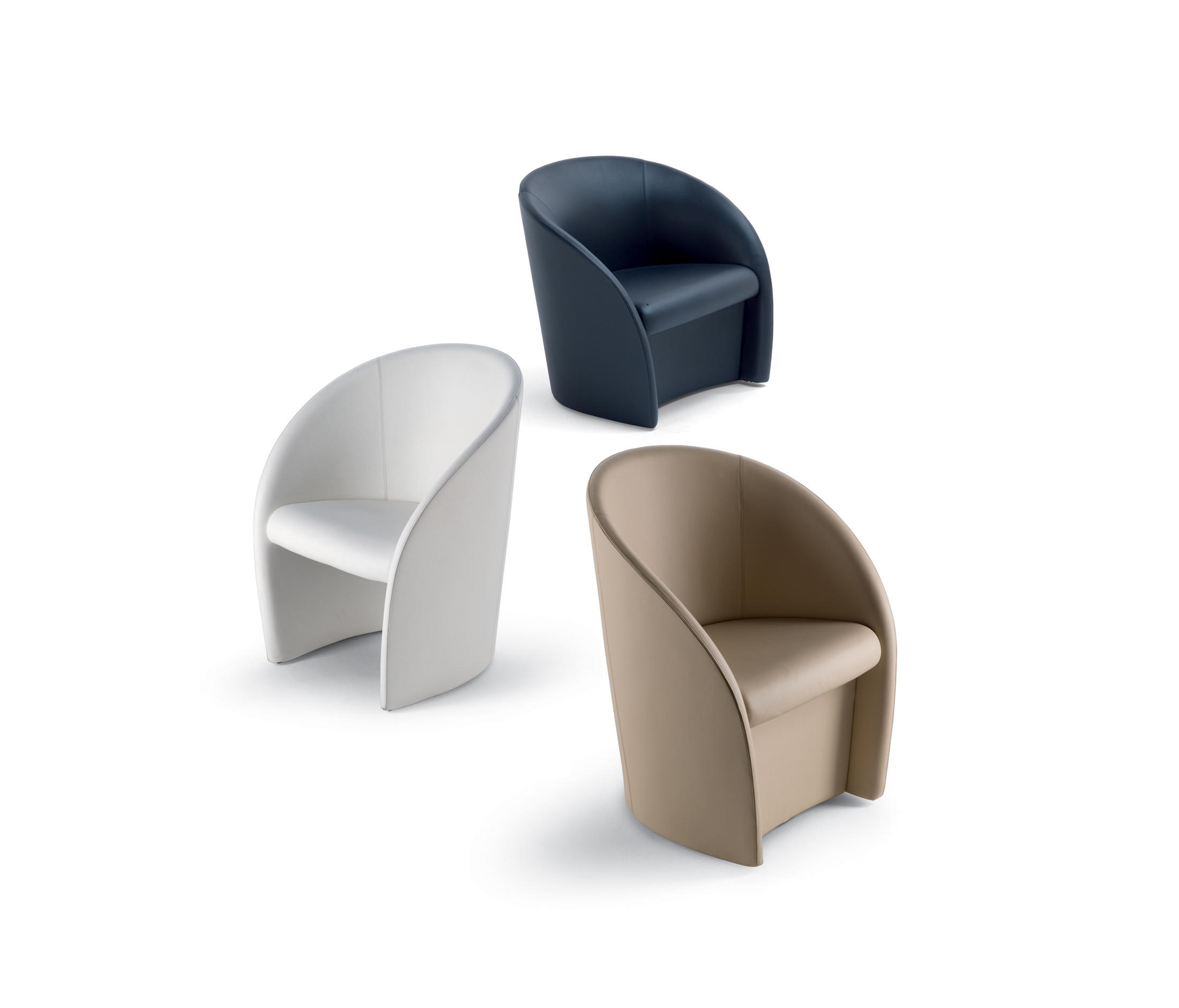 Intervista lounge chairs from poltrona frau architonic for Outlet poltrona frau tolentino