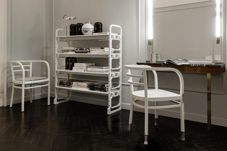 Postsparkasse armlehnstuhl restaurantst hle von wiener for Designer armlehnstuhl