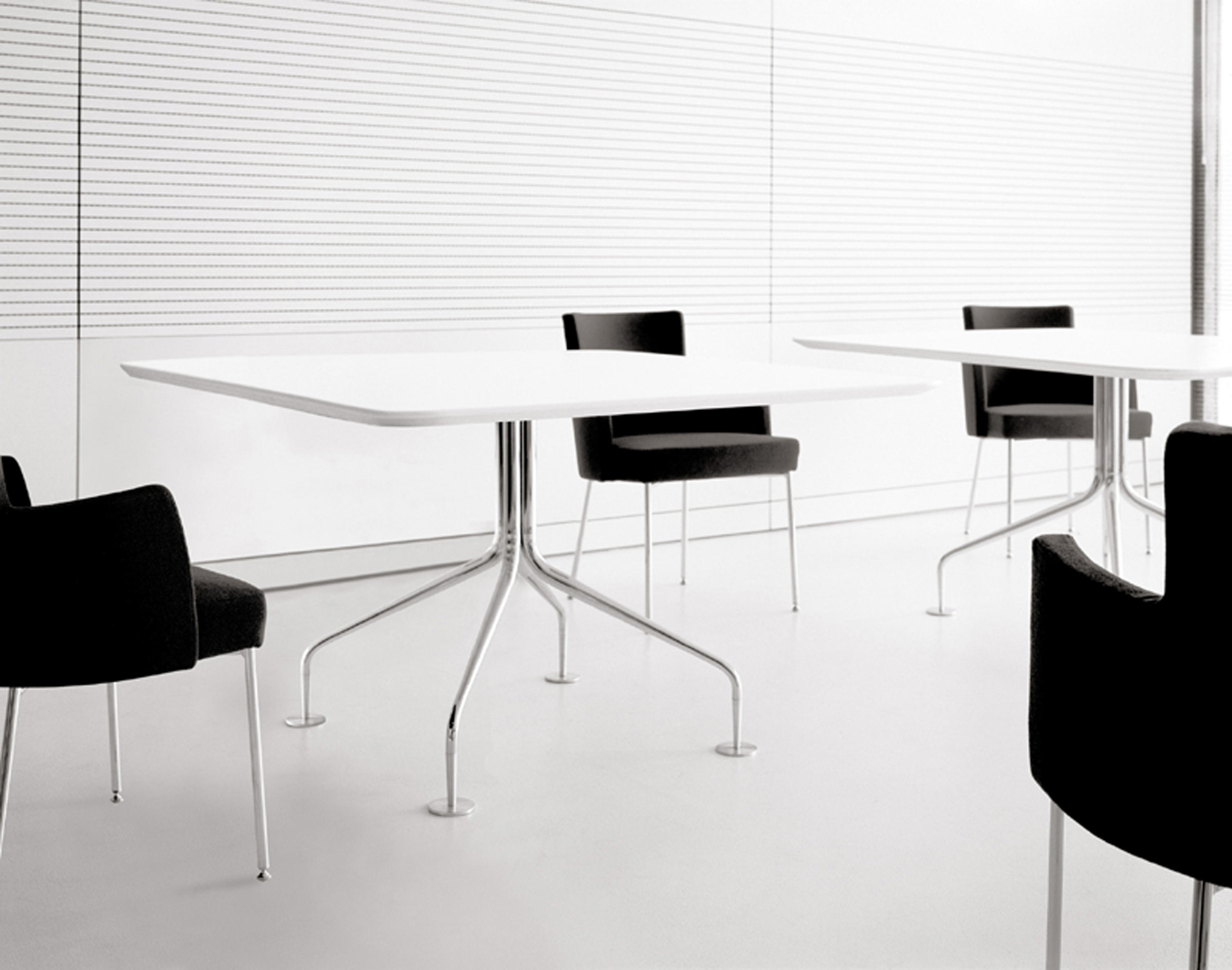 ... Agra Table ATP-Q by Accademia ...