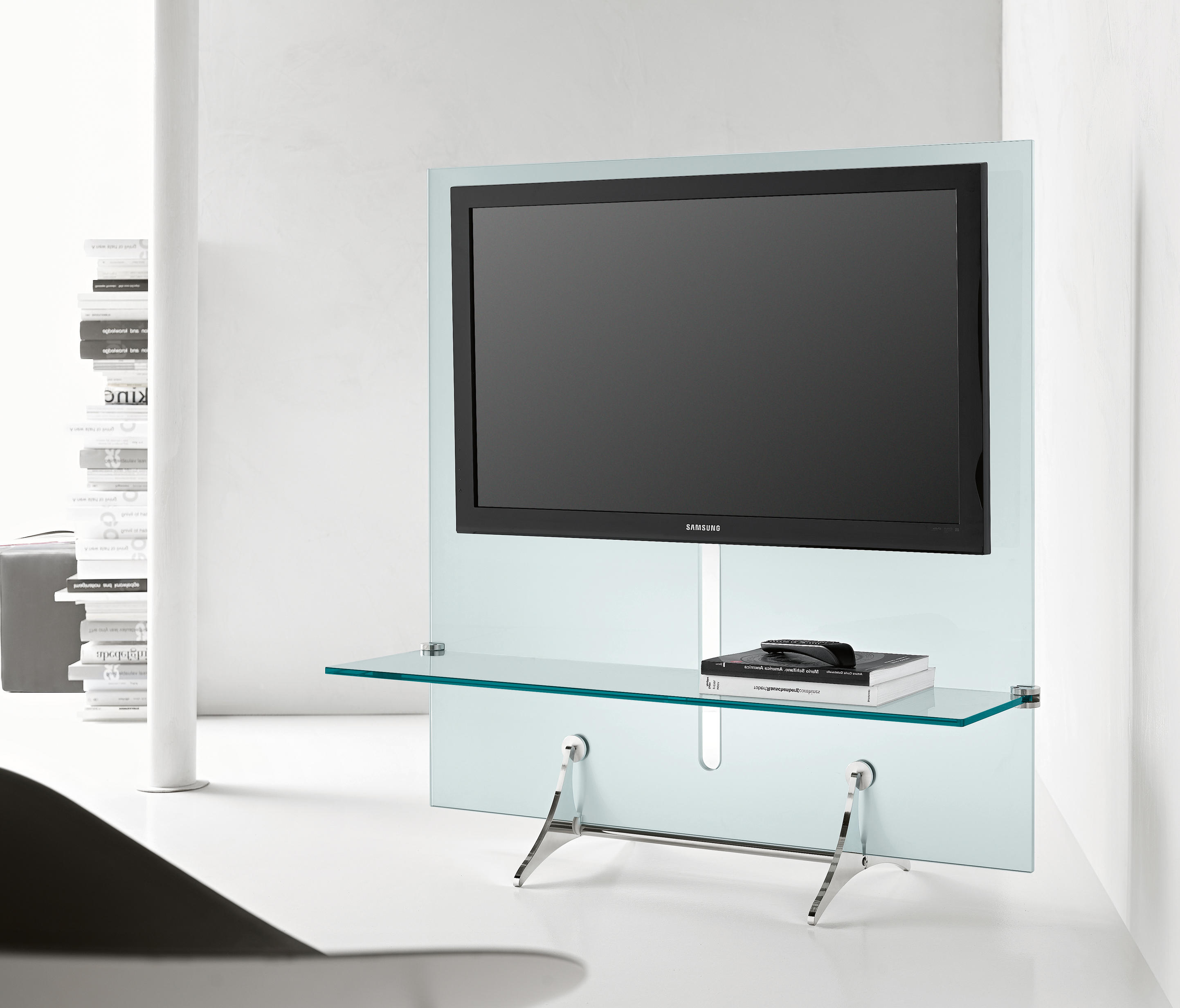 curtain wall tv multimedia stands from tonelli architonic. Black Bedroom Furniture Sets. Home Design Ideas