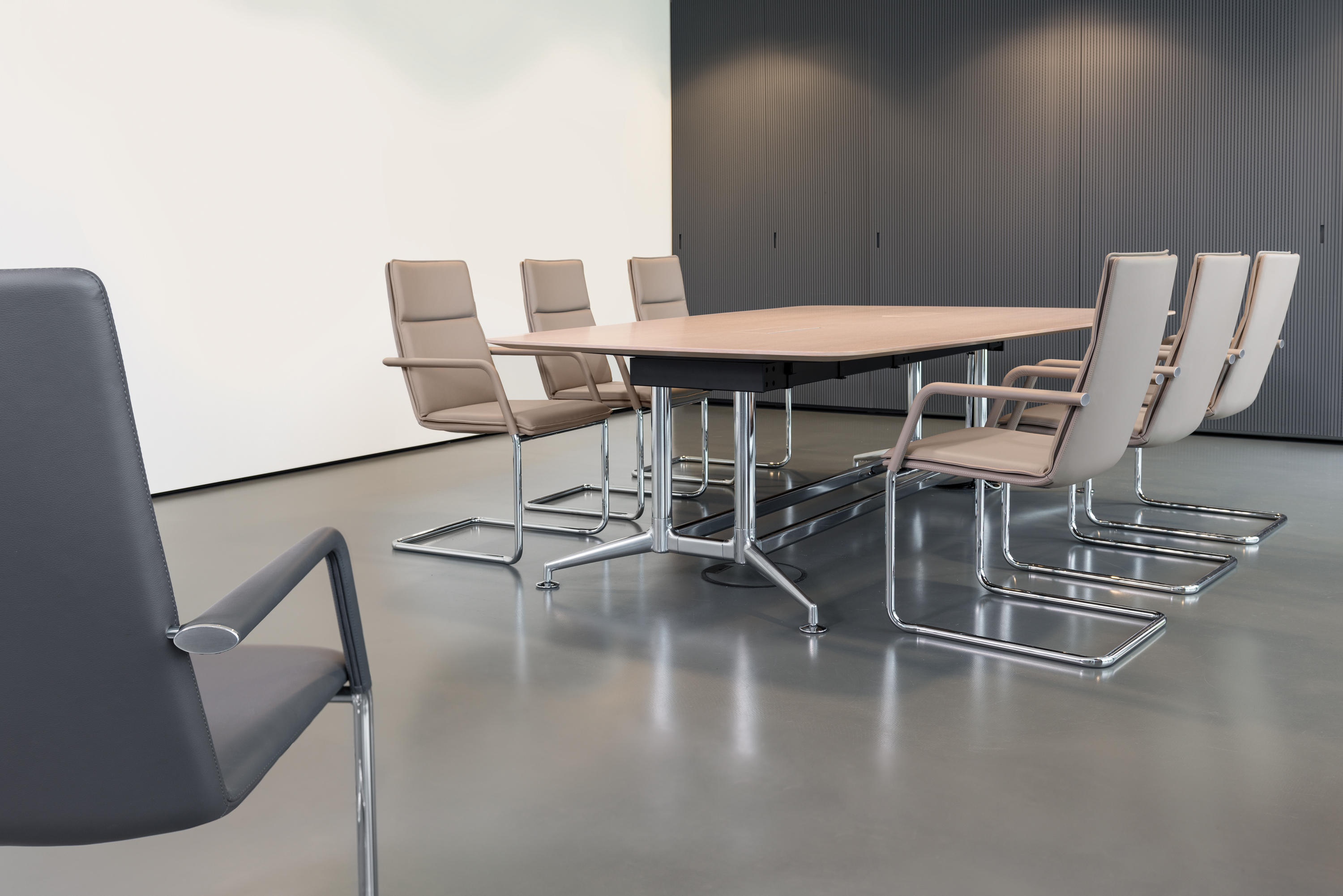 Fina Club 6861 A Chairs From Brunner Architonic