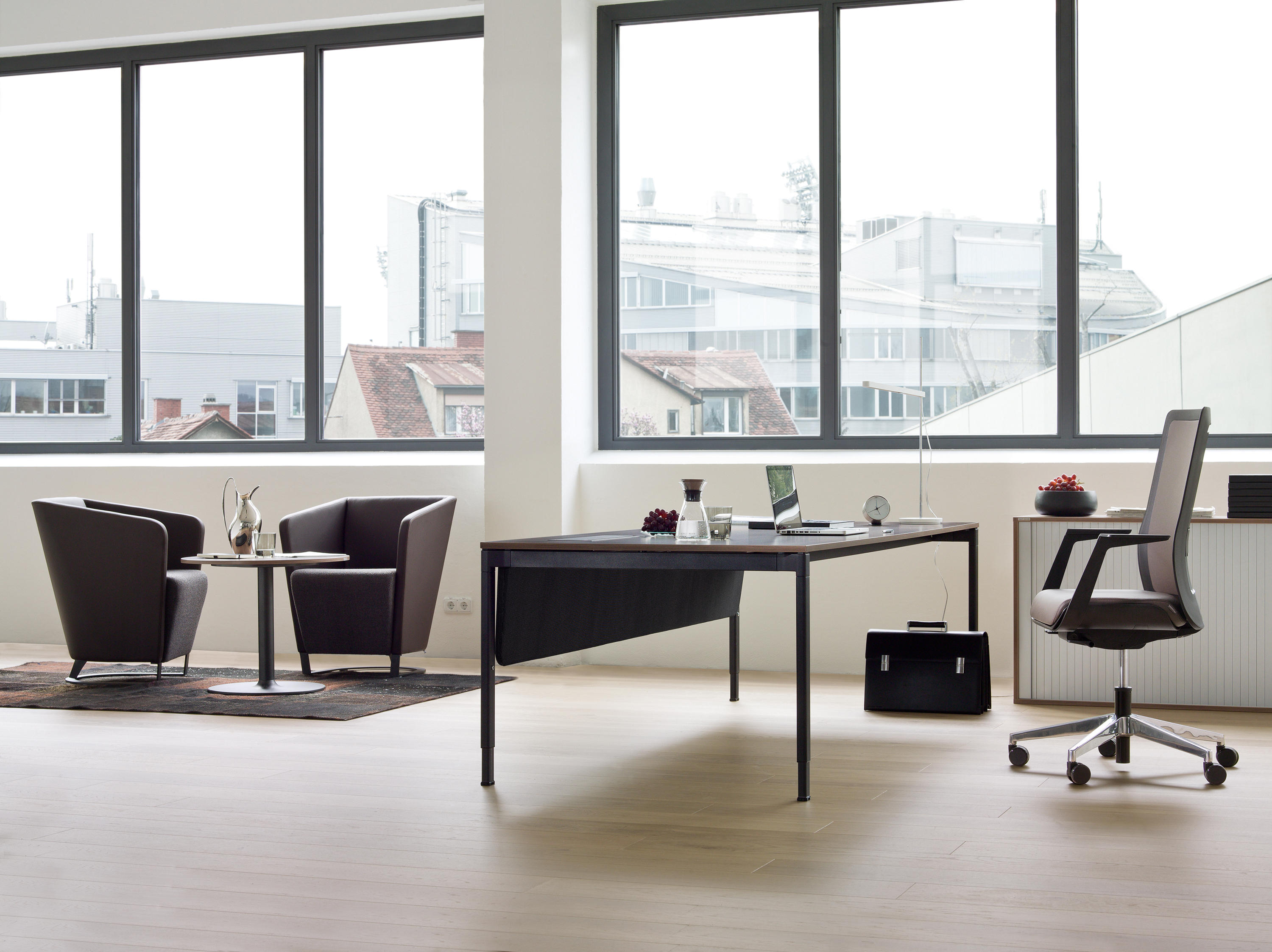 veron table meeting room tables from wiesner hager architonic. Black Bedroom Furniture Sets. Home Design Ideas