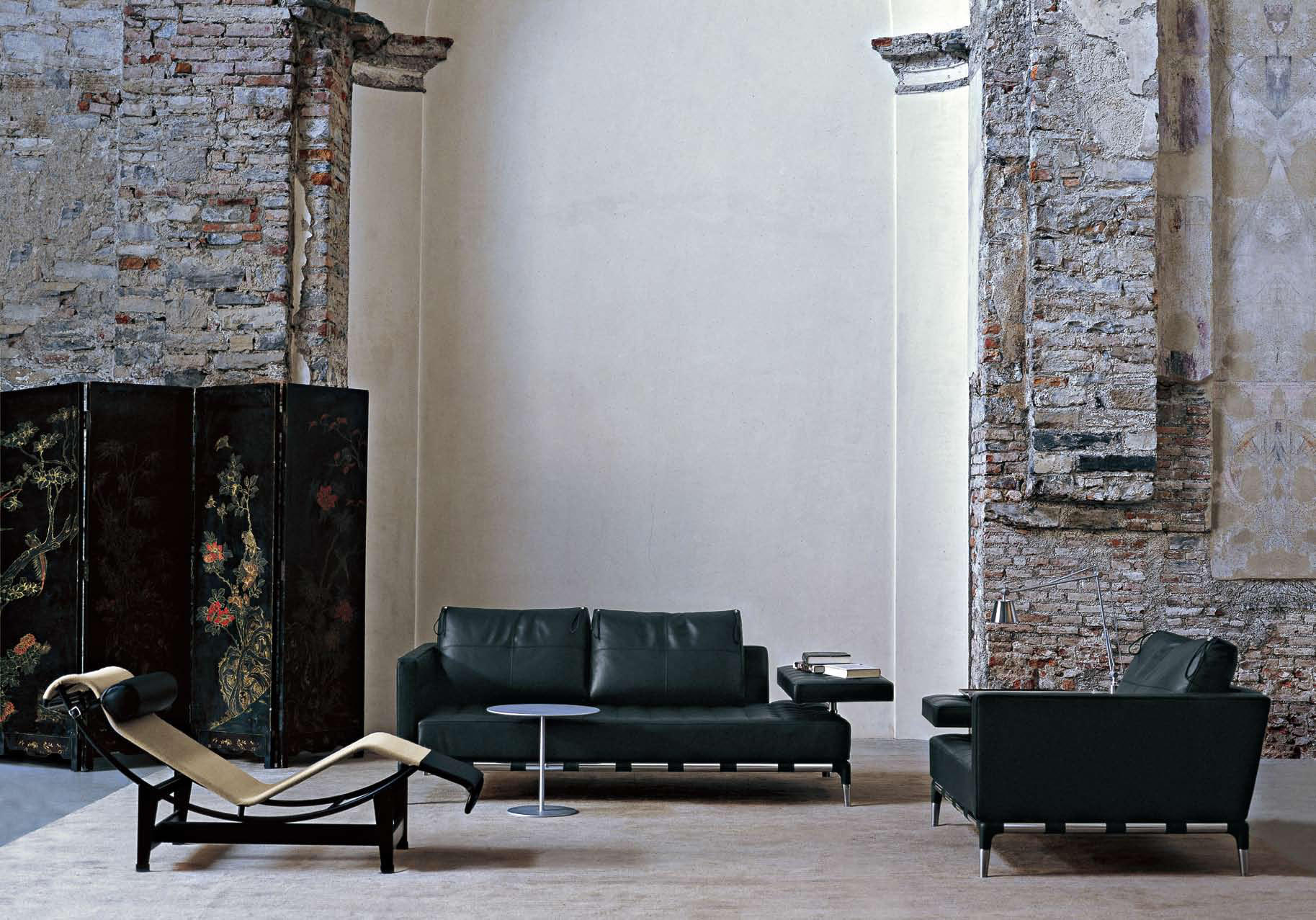 241 PRIVÉ - Armchairs From Cassina