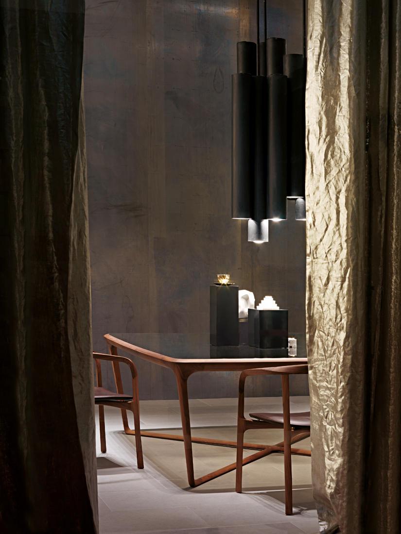 Obi tavoli da pranzo ceccotti collezioni architonic for Produttori tavoli
