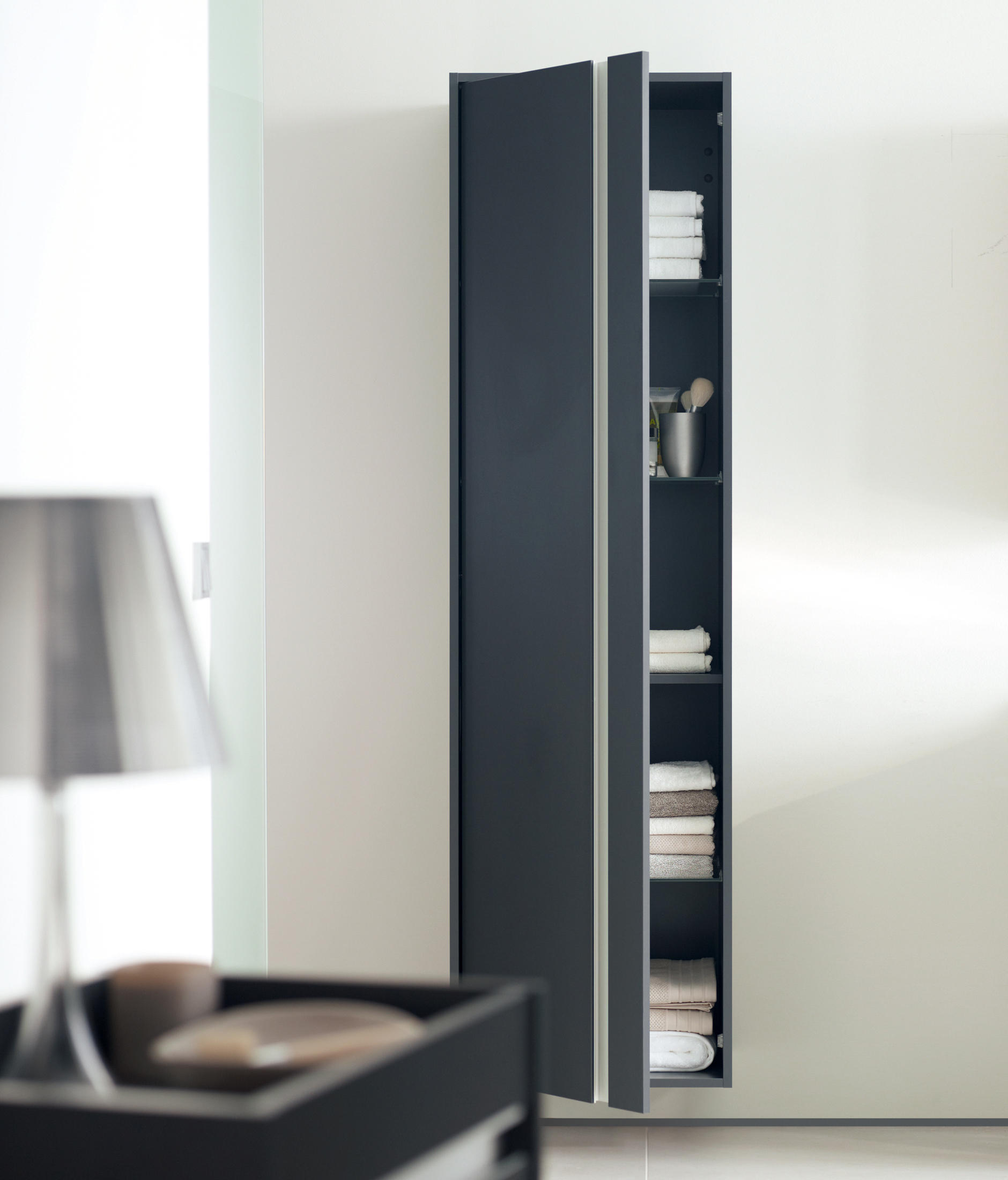 ketho vanity units with integrated console vanity units from duravit architonic. Black Bedroom Furniture Sets. Home Design Ideas