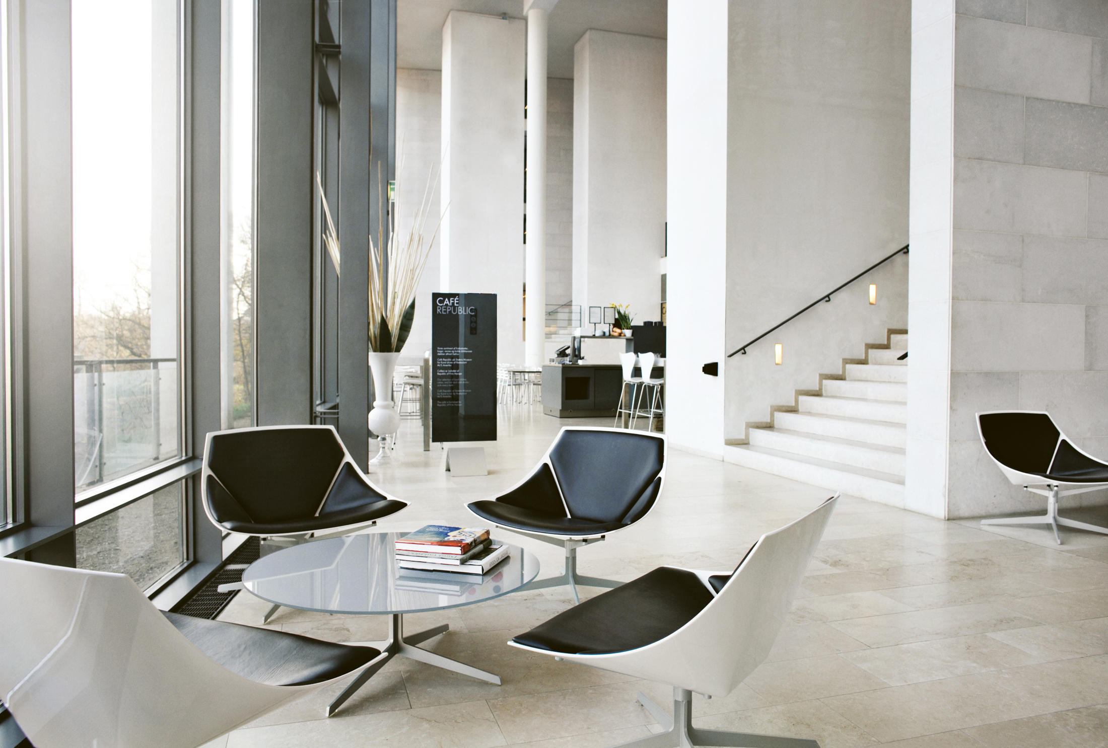 spacea lounge chairs from fritz hansen architonic