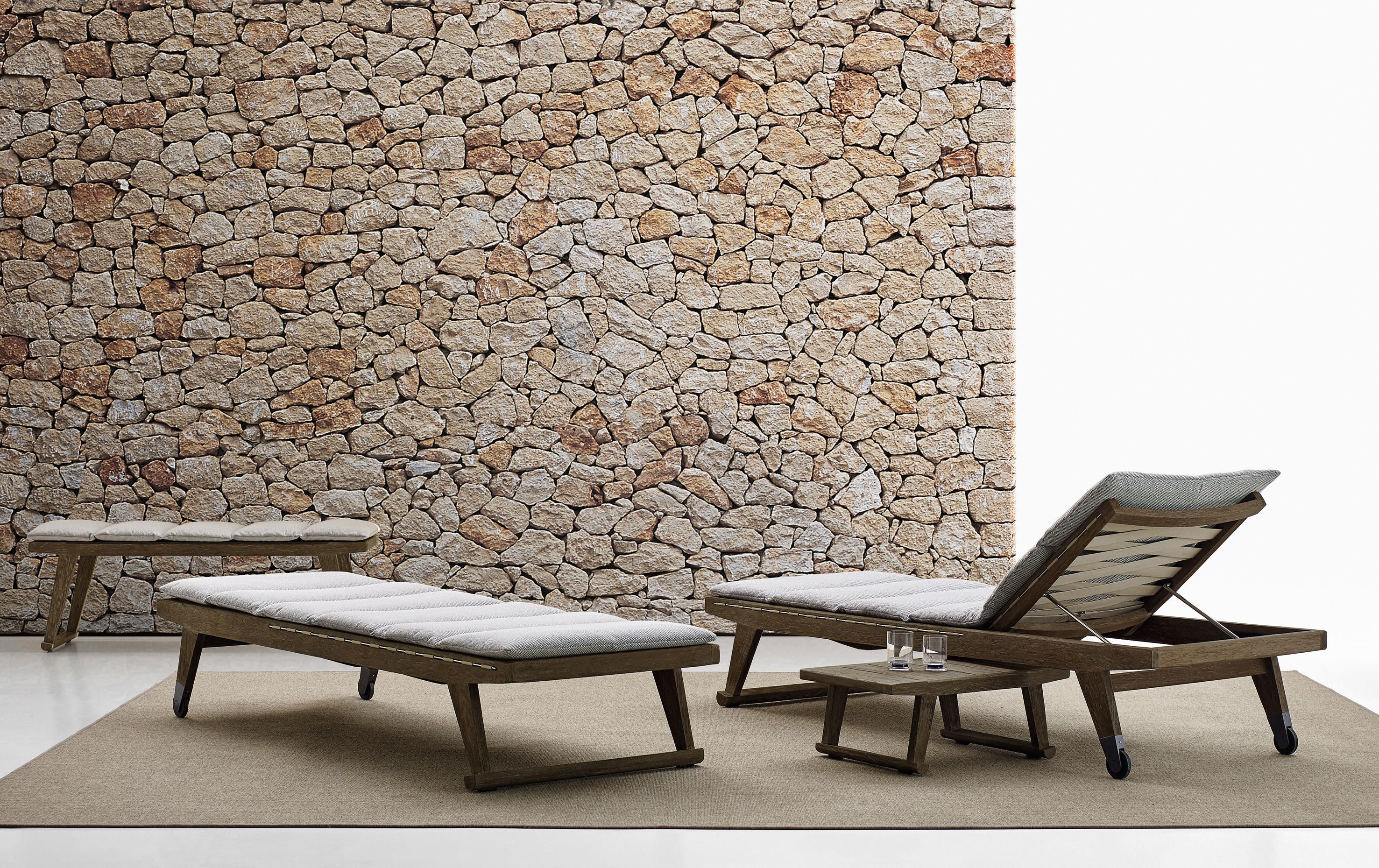 Gio sofa garden sofas from b b italia architonic for Chaises longues piscines