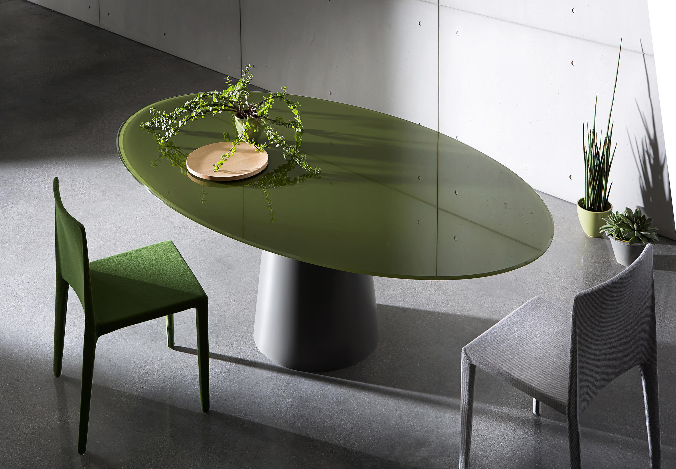 Totem Round Dining Tables From Sovet Architonic