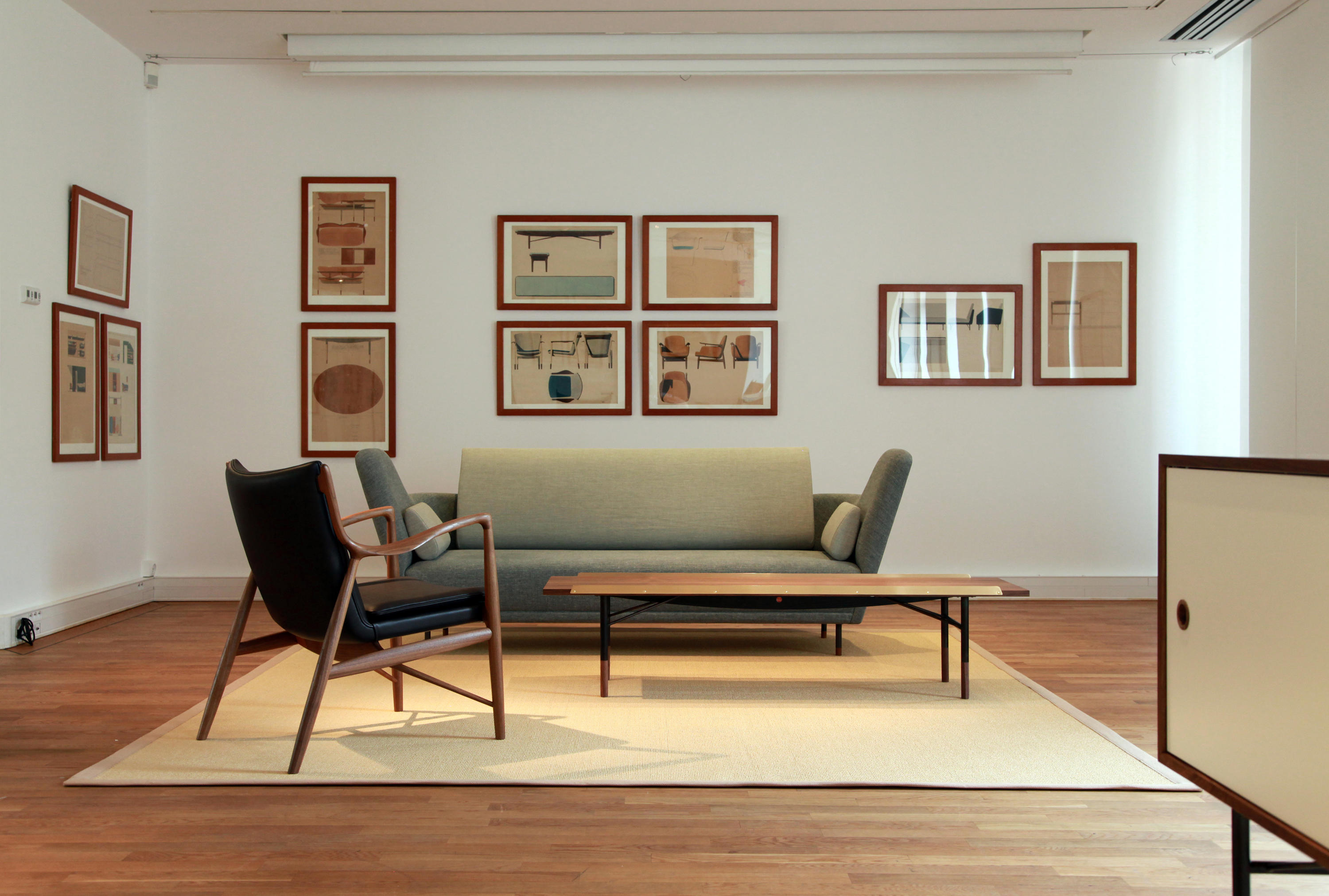 Finn juhl sofa replica home the honoroak for Danish modern reproduction
