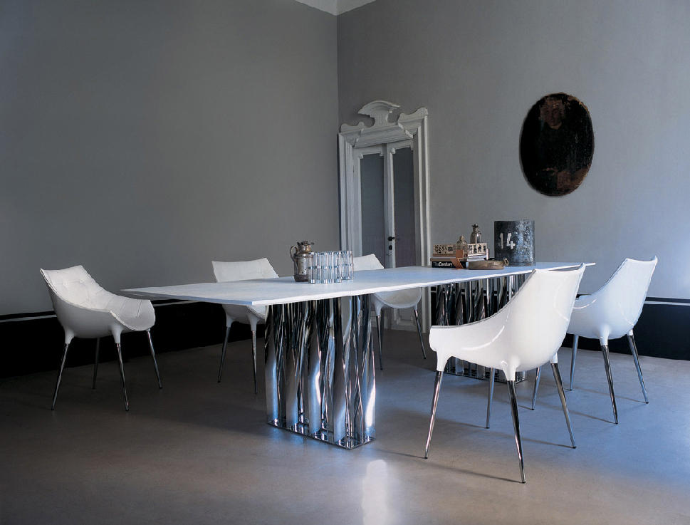 246 passion chairs from cassina architonic. Black Bedroom Furniture Sets. Home Design Ideas