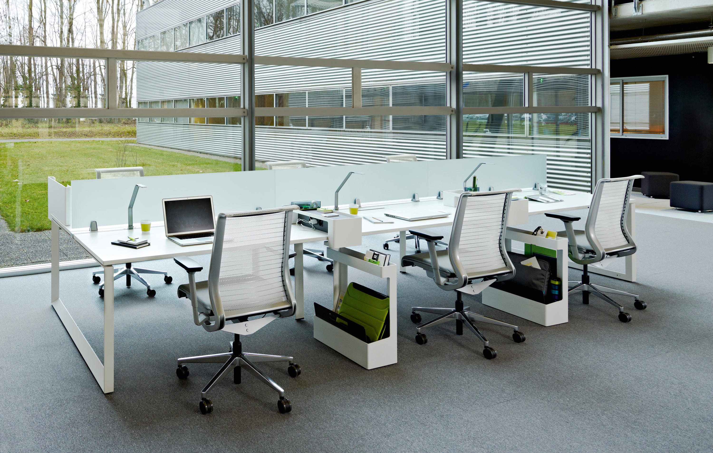 Frameone Loop Individual Desks From Steelcase Architonic