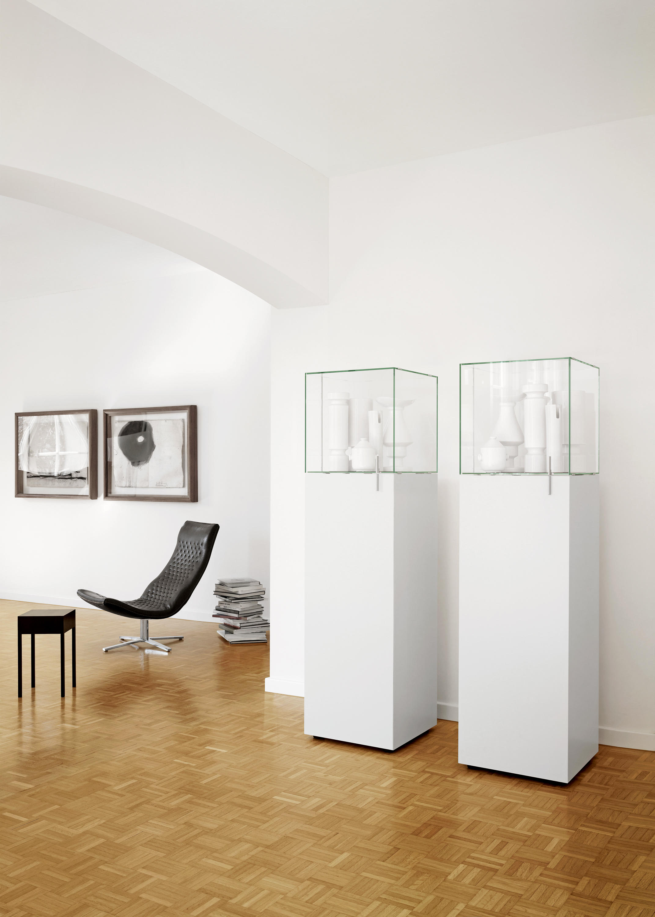 solitaire vitrinen schauk sten von team by wellis. Black Bedroom Furniture Sets. Home Design Ideas