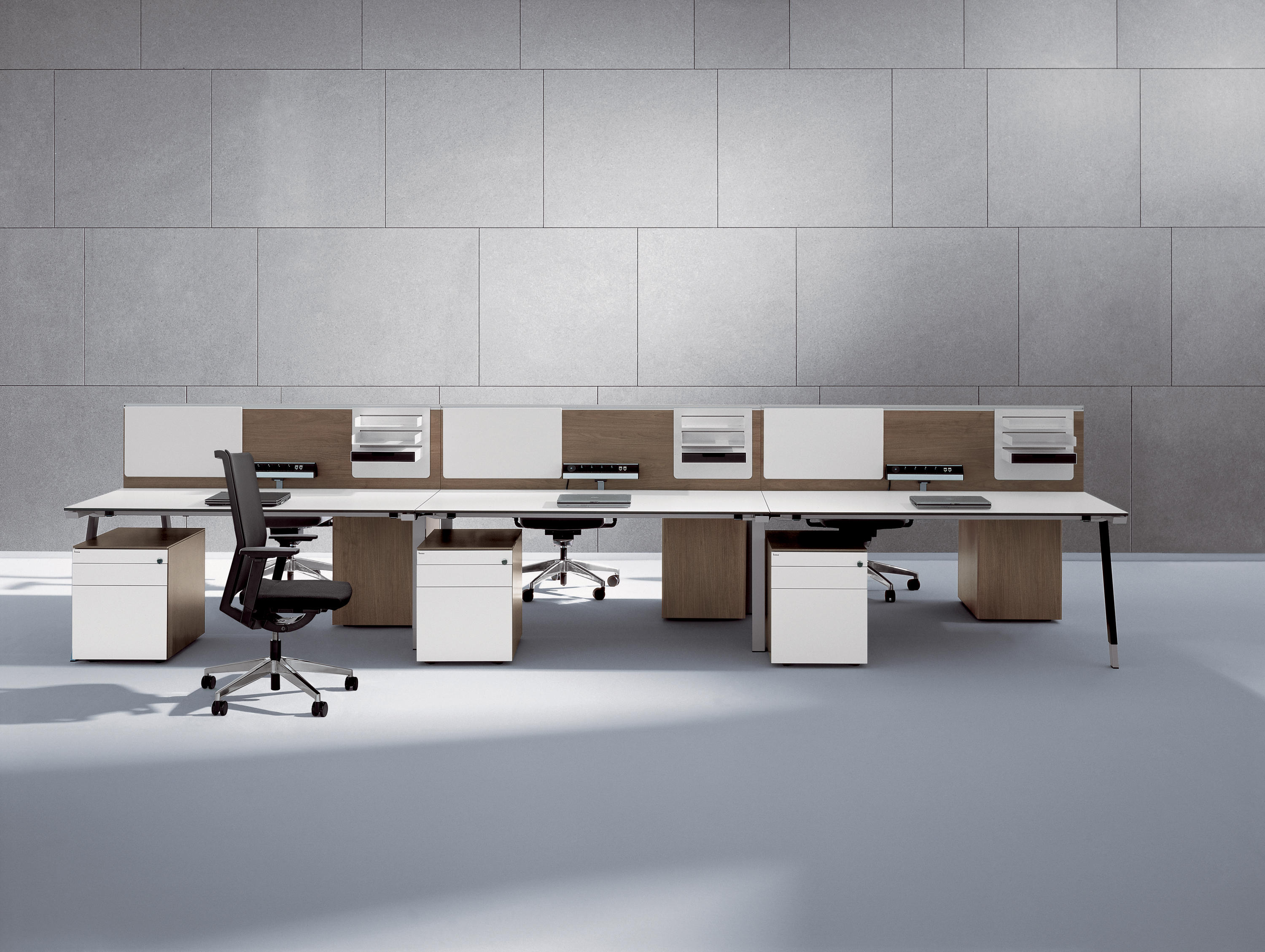T Workbench Desks From Bene Architonic