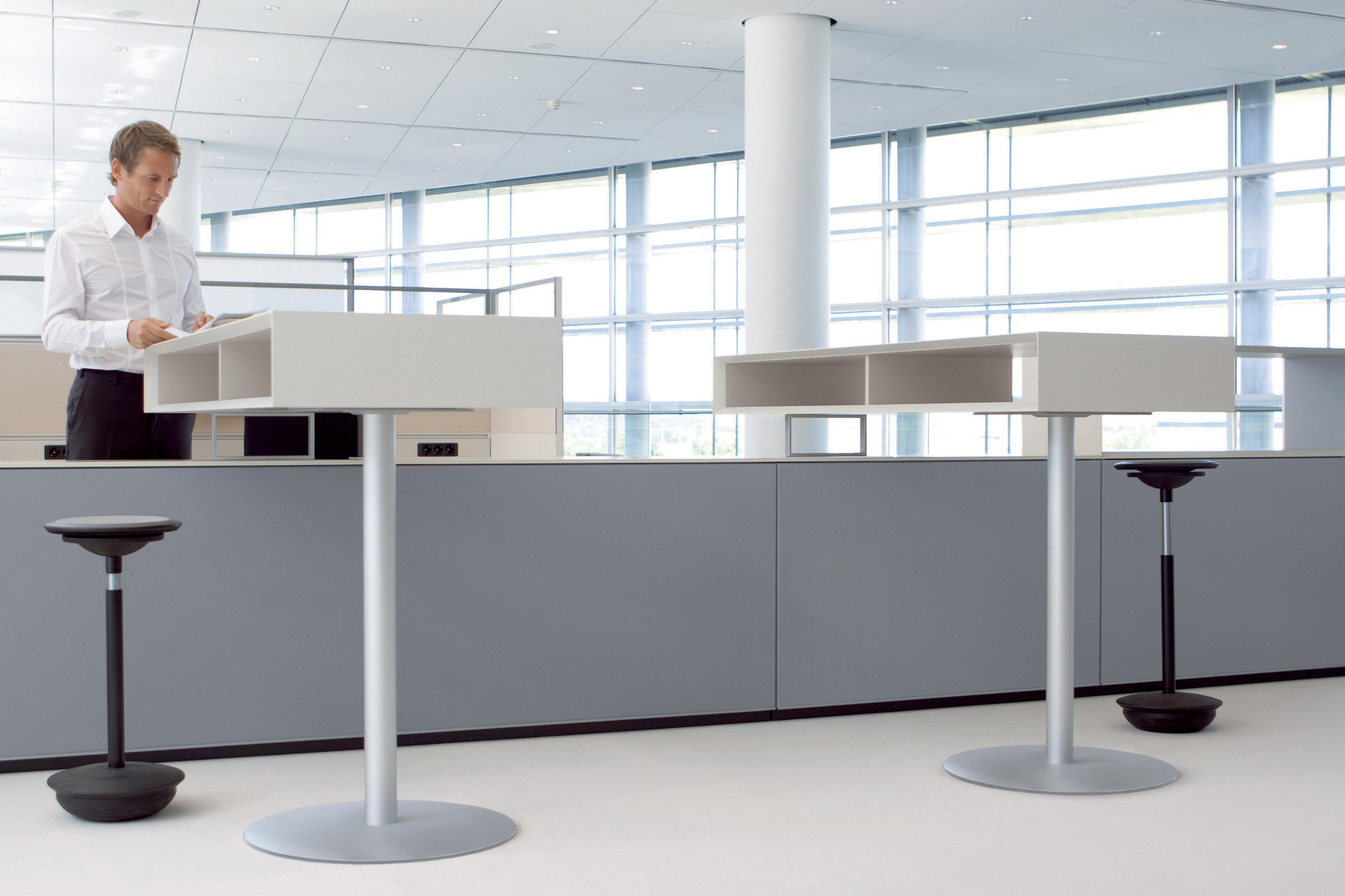 TMEETING STAND UP TABLE Standing Tables From Bene Architonic - Stand up meeting table