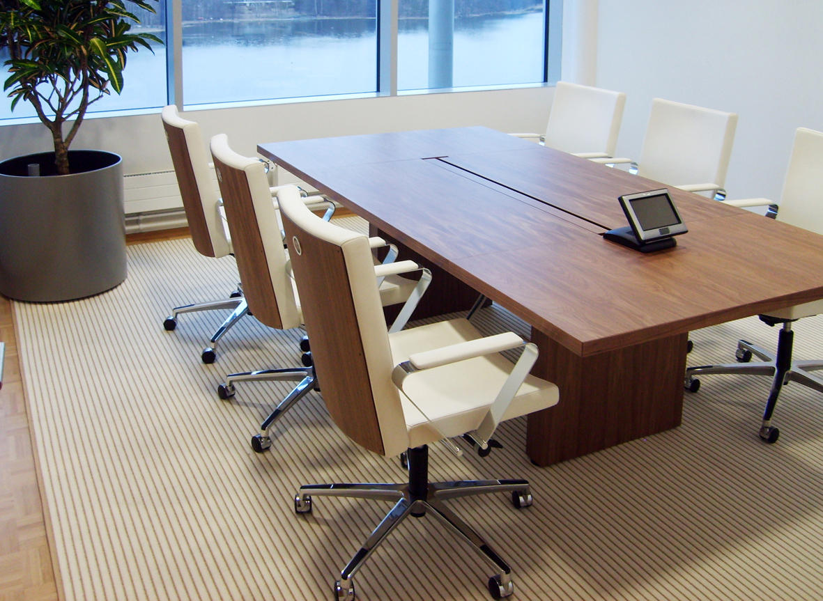 In Tensive Table Contract Tables From Inno Architonic