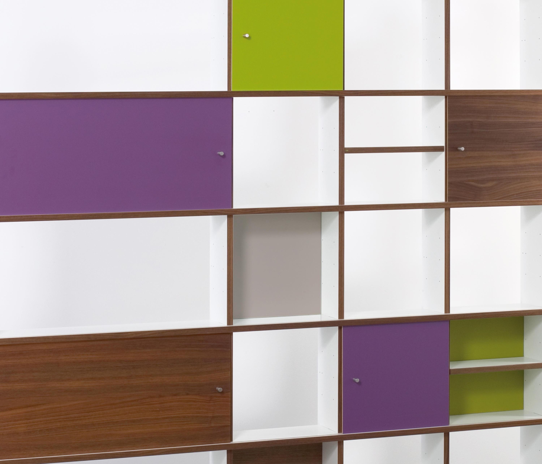 qr regal qrl regalleuchte anbauleuchten von oliver conrad architonic. Black Bedroom Furniture Sets. Home Design Ideas