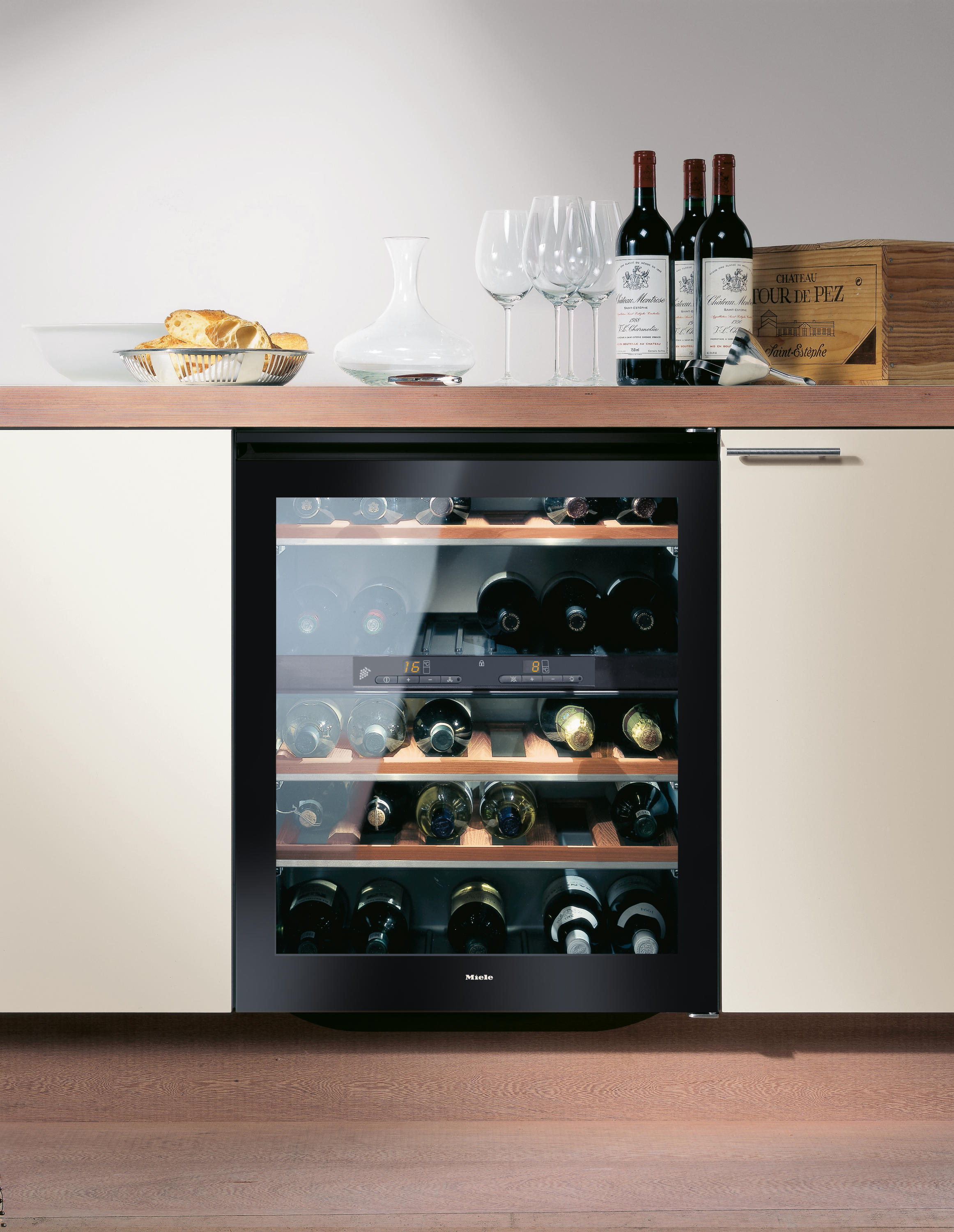 kwt 4154 ug 1 wine cooler refrigerators from miele architonic. Black Bedroom Furniture Sets. Home Design Ideas