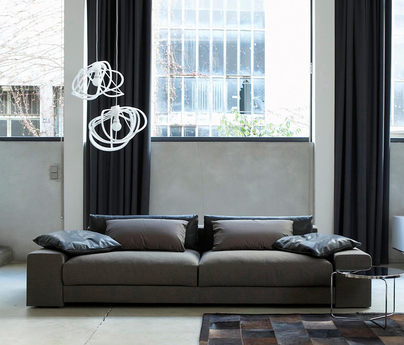 bloom clairage g n ral de ligne roset architonic. Black Bedroom Furniture Sets. Home Design Ideas