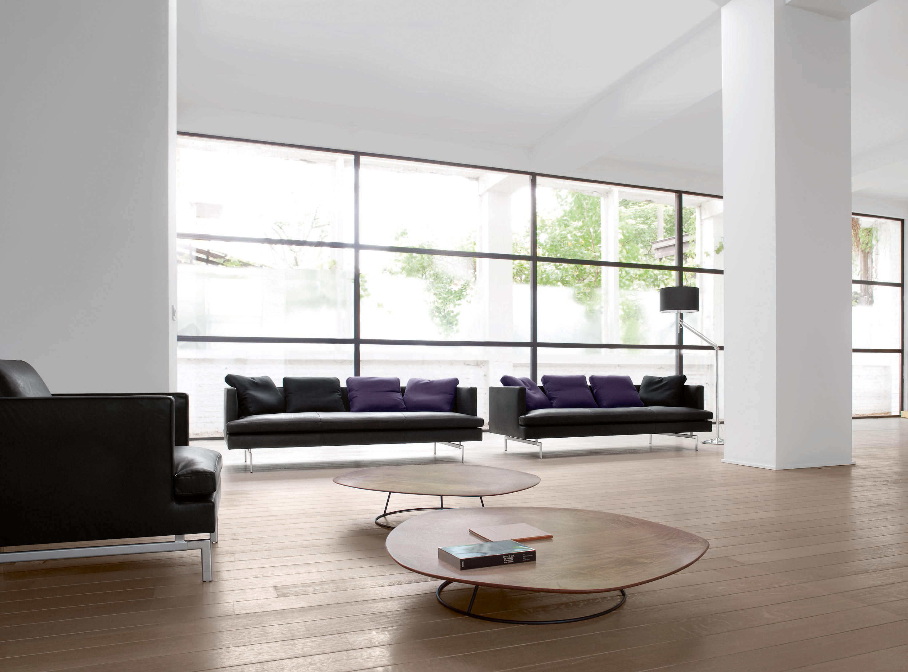 pebble low table convex top coffee tables from ligne. Black Bedroom Furniture Sets. Home Design Ideas