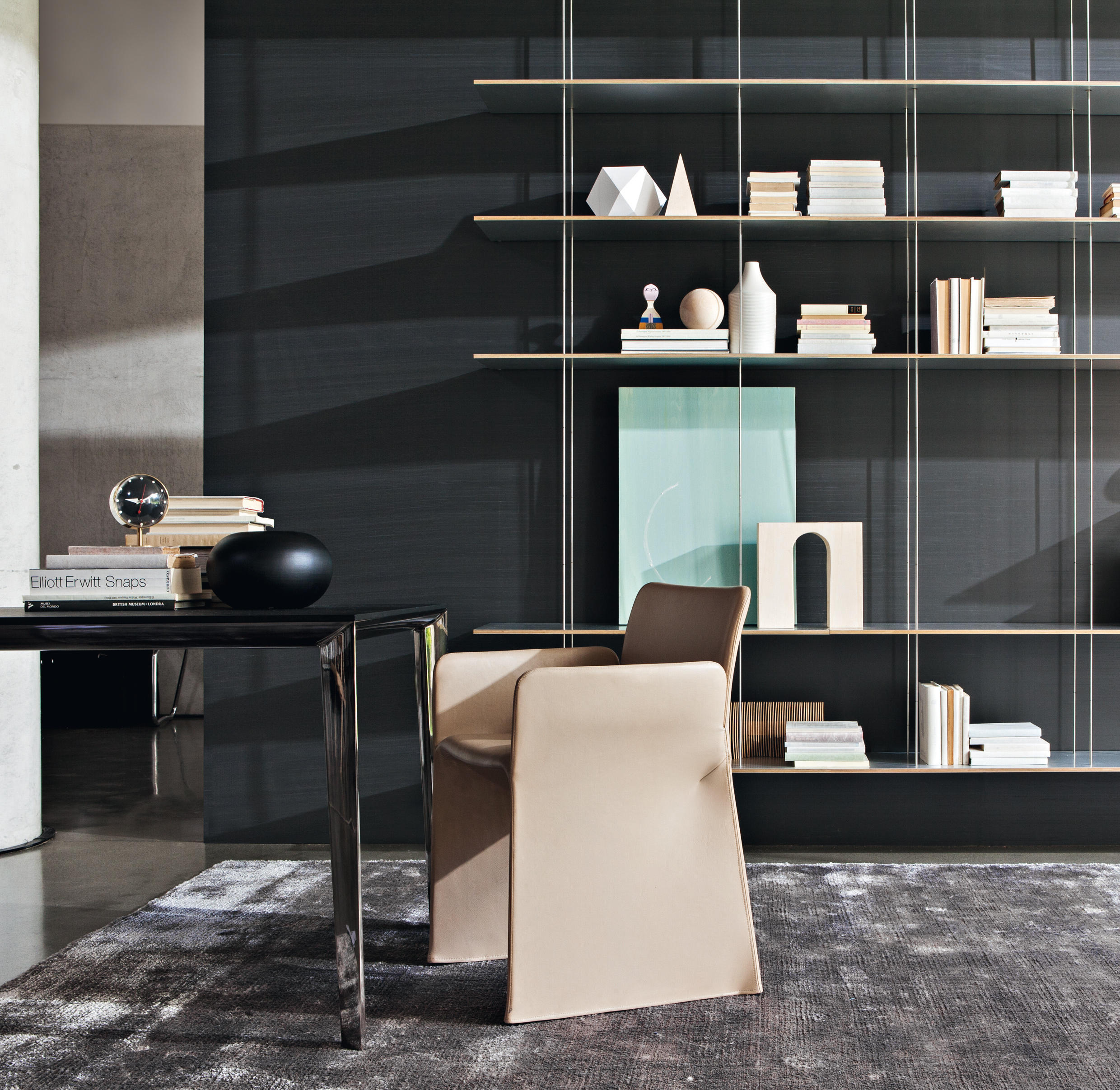 Glove chair restaurant chairs from molteni c architonic for Molteni furniture