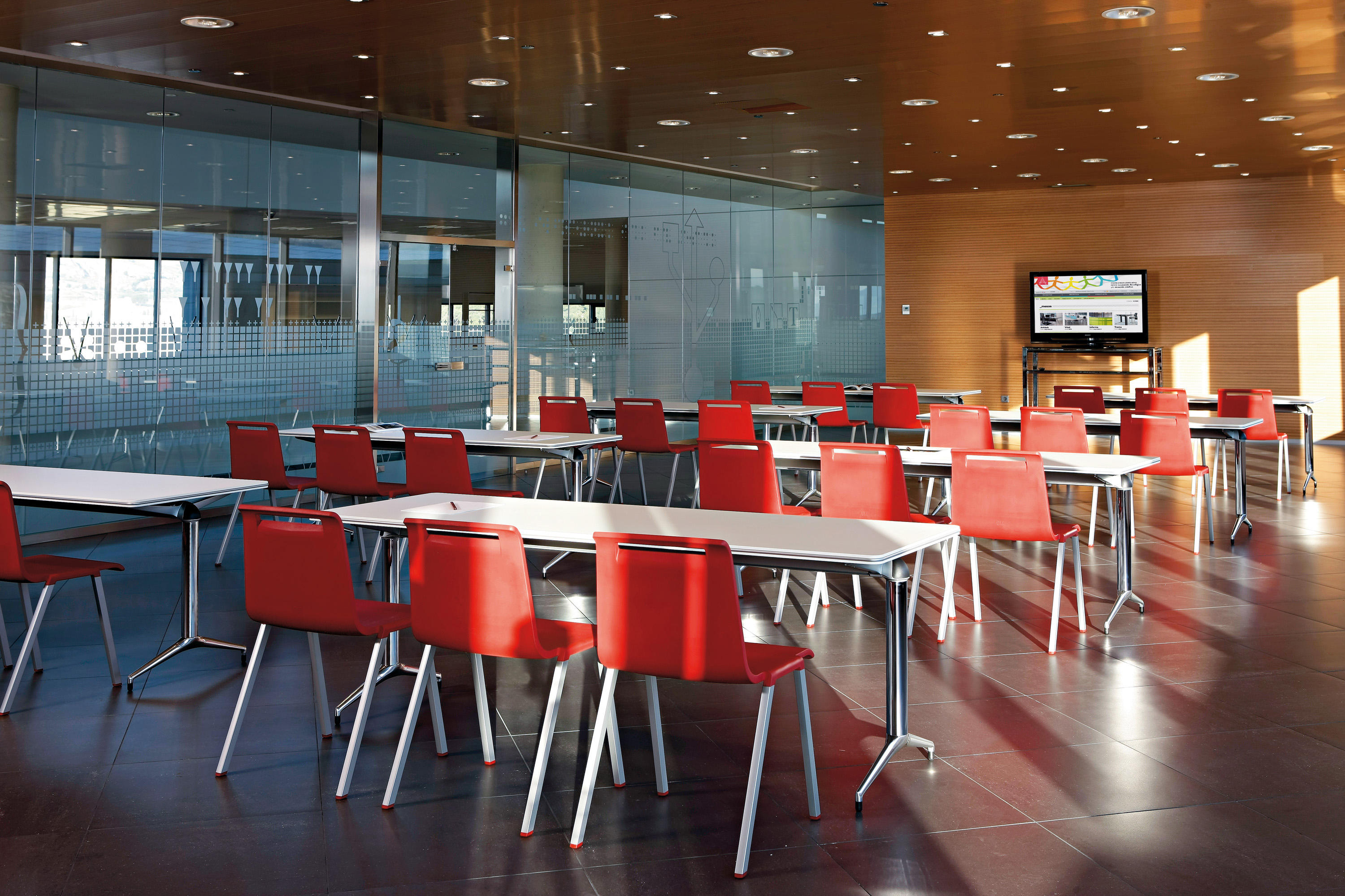 Trama 10 Individual Desks From Actiu Architonic # Muebles Para Food Court